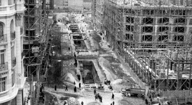 A Gran Vía de Madrid. Breve biografía crítica dunha gran rúa (III) | Antón Capitel