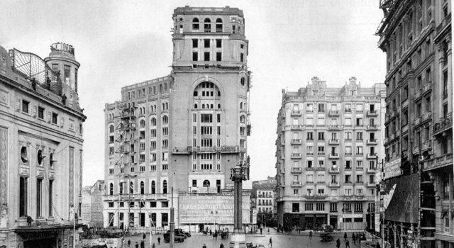 A Gran Vía de Madrid. Breve biografía crítica dunha gran rúa (IV) | Antón Capitel