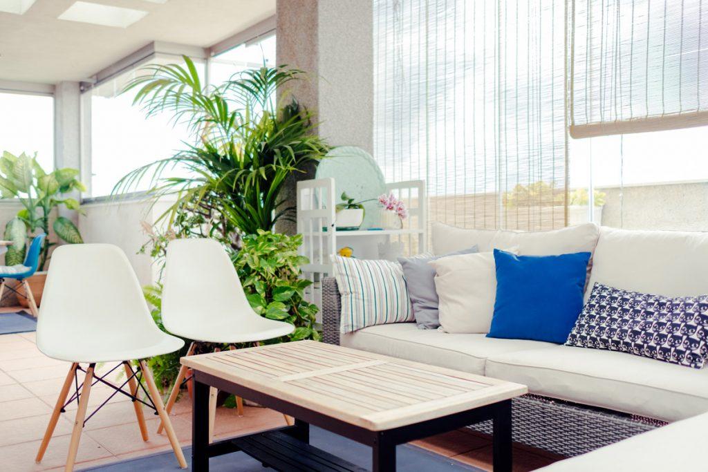 Acristalia diseña, fabrica e instala acristalamientos especiales que abren tu espacio a múltiples posibilidades de confort.