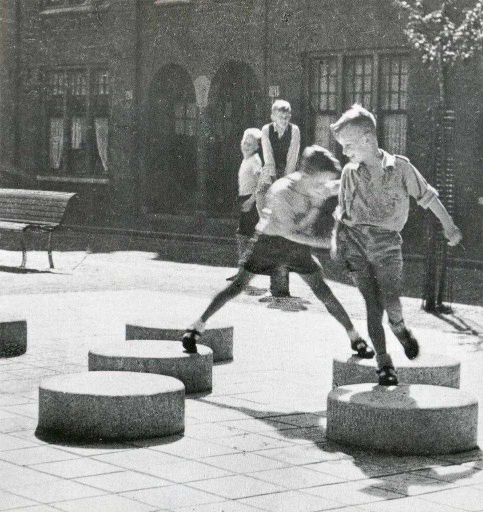 Playground Zaanhof, 1950, Aldo van Eyck