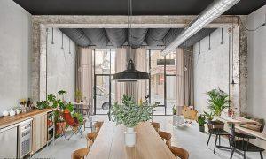 Café Roquet.Transformación de una antigua gestoría en un café en Valls | NUA Arquitectures