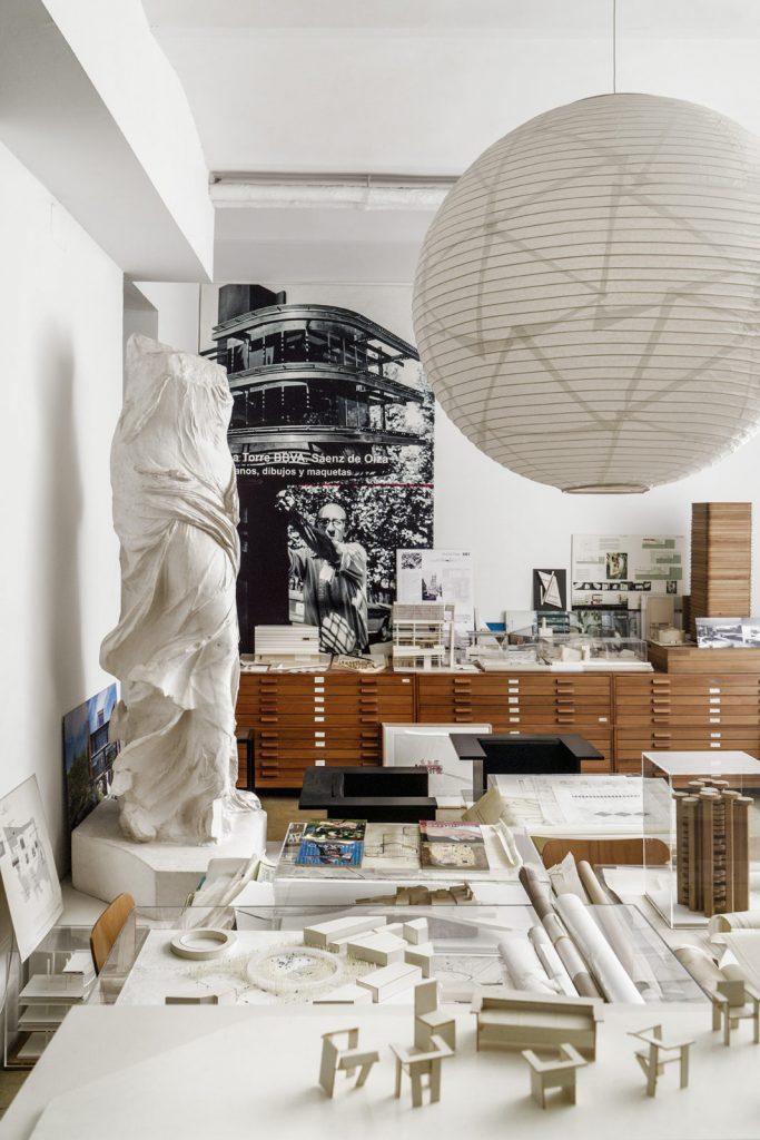 Estudio en General Arrando, vista interior | Fotografía de 2019. 59,4 × 42 cm.