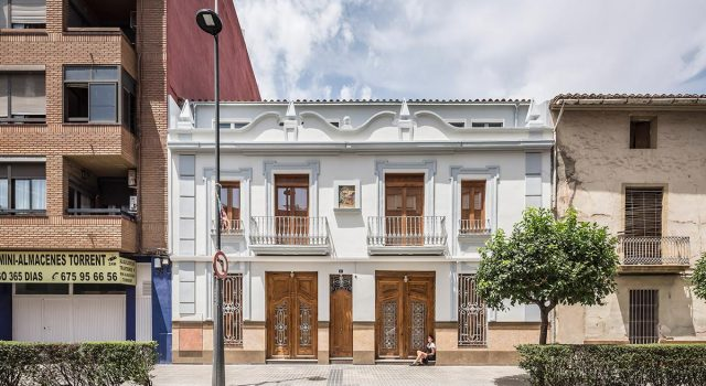 Seis viviendas en Torrente y restauración de fachada   Teresa Carrau Carbonell - Eduard Baviera Llopez