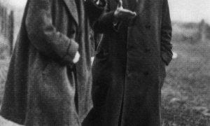 Sobre el abrigo | Miguel Ángel Díaz Camacho