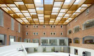 Espacio Ágora. Colegio Nuestra Señora del Pilar | Pablo Moreno Mansilla - Julián Zapata Jiménez