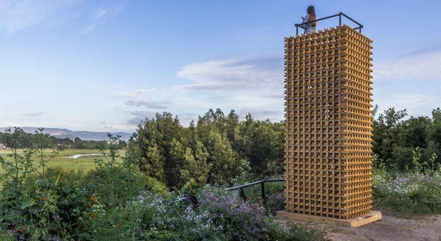 Two towers and a trail | Azócar Catrón Arquitectos