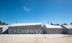 Campo de fútbol de Campañó | Santos y Mera Arquitectos + Gustavo Pérez Álvarez
