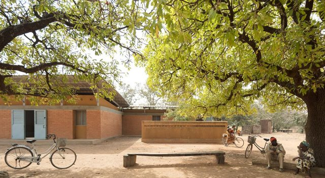 Refurbishment and enlargement of the maternity clinic in Guiba | Albert Faus Architecture