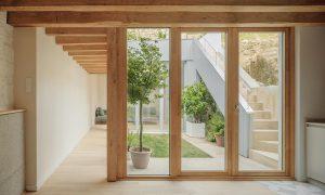 Rehabilitación de vivienda entre medianeras en Santiago | Ansede Quintáns Arquitectos