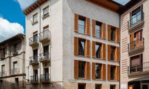 Bizkorenea, 3 viviendas y local | Araiz Floristán Arquitectos