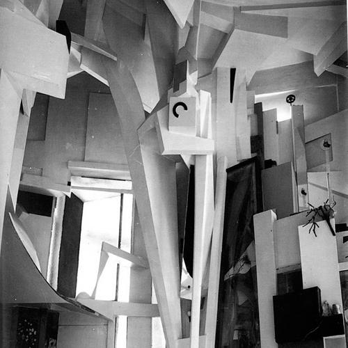 Kurt Schwitters, Merzbau. Fotografía de Wilhelm Redemann, 1933. Fuente httpswww.moma.orgexploreinside_out20120709in-search-of-lost-art-kurt-schwitterss-merzbau (consulta 31 de mayo de 2019)