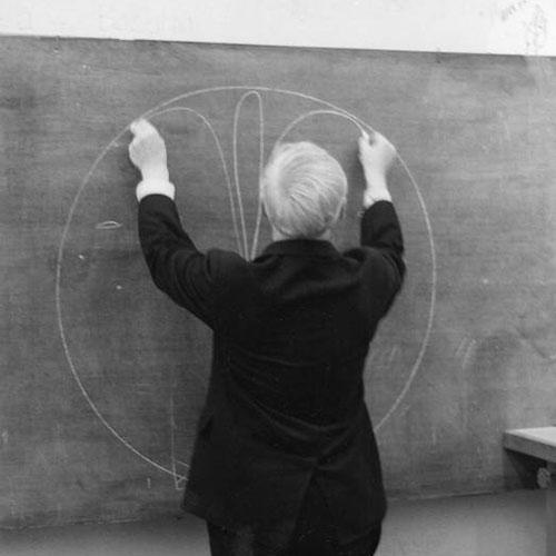 Louis I. Kahn, c. 1971. The Architectural Archives, University of Pennsylvania, Philadelphia. Fotografía: Martin Rich.